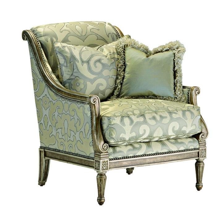 PortofinoChairshown with:Boxed seat cushionPompeiifinishSilverStarnailhead frame trim