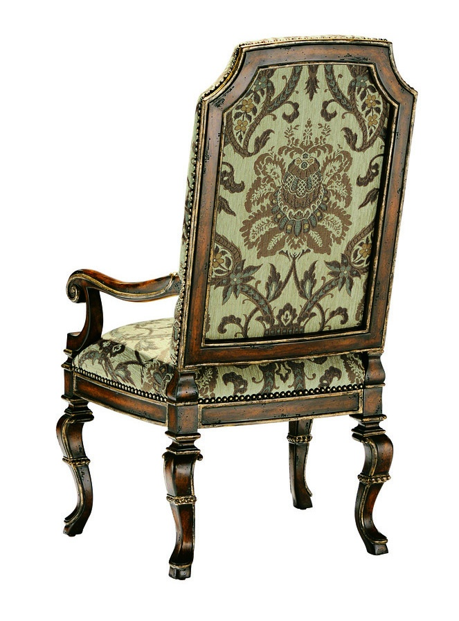 Seville ArmChairshown with:Tight seat andbackHeirloom Brentwoodfinish with metal leaf finish trimBronze Starnailhead frame trim