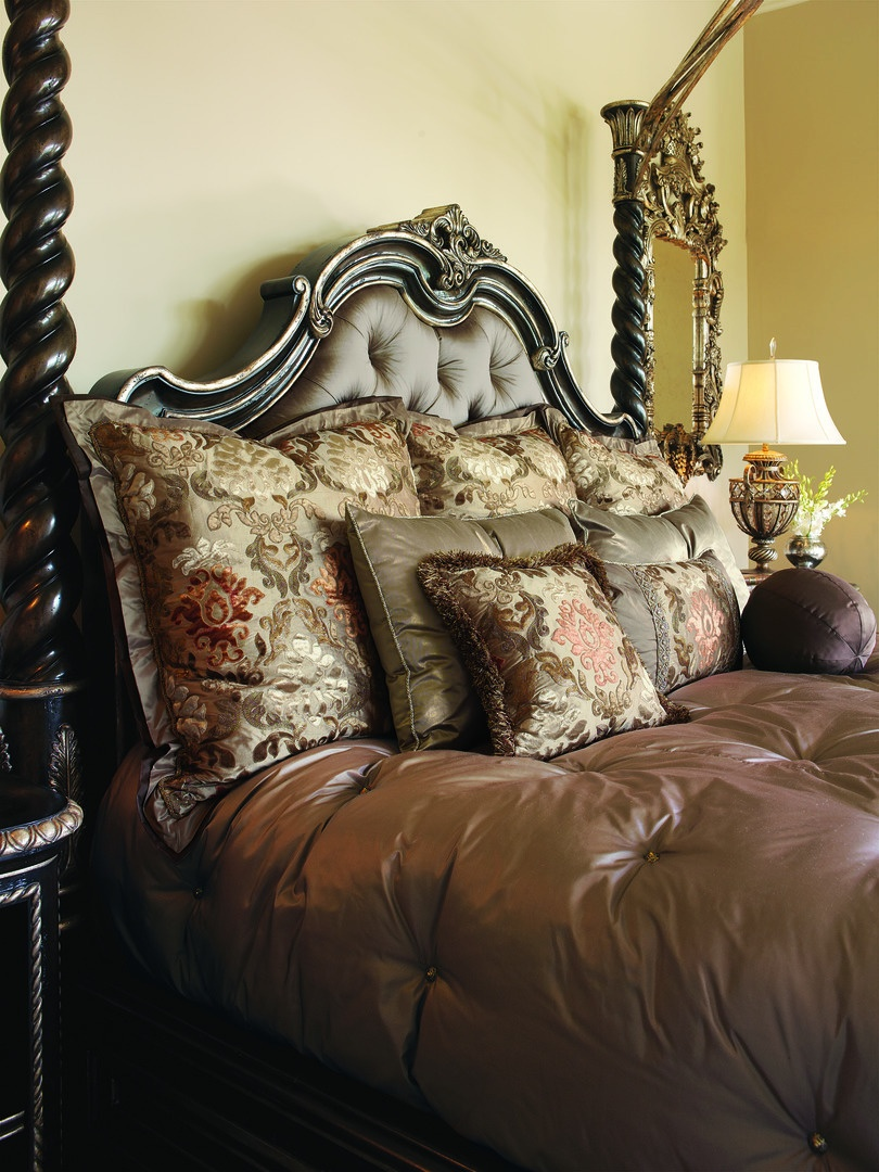 Piazza San Marco Bed shown with:Old World Orleans finishVersailles Leaf finish trimDecorative metal canopy in Versailles finishButton tufted headboard