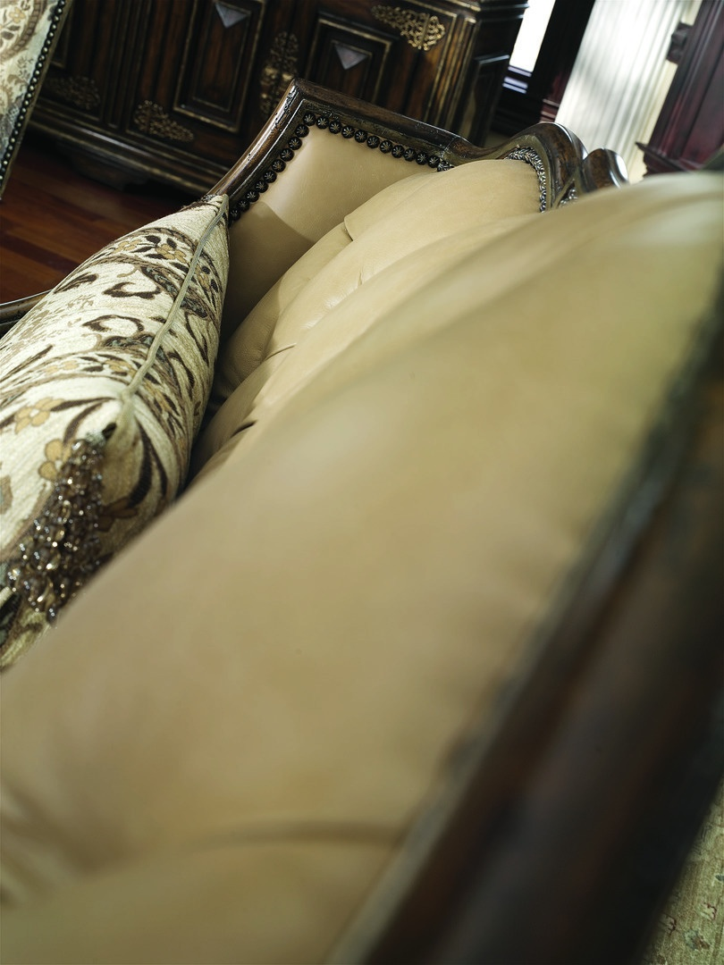 Seville Banquette shown with:Tight seatButton tufted backHeirloom Brentwood finish with metal leaf finish trimBullionBronze Star nailhead frame trim