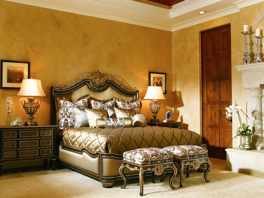 Trianon Court Panel Bed shown with:Old World Havana finishBurnished Silver Leaf finish trimDecorative metalwork in specialty leaf finish withBurnished Silver Leaf finish trimBronze Star nailhead frame trim