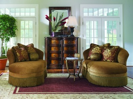 Danielli Chaise shown with:Tight seatBullionSunburst Gold nailhead frame trim