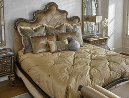 Shown on GRT11 Grand Traditions Panel Bed