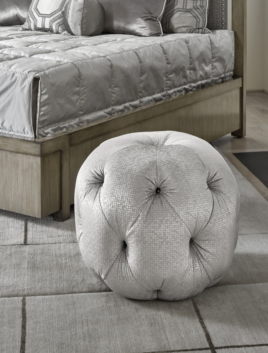 Zoe Pouffshown with:Button tufted